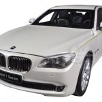 BMW 760Li (F02) 7 Series Brilliant White 1/18 Diecast Car Model by Kyosho
