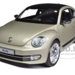 2012 Volkswagen New Beetle Moon Rock Silver 1/18 Diecast Model Car by Kyosho