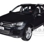 2010 Volkswagen Touareg V6 TSI Deep Black Pearl Effect 1/18 Diecast Car Model by Kyosho