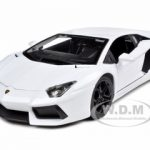 2012 Lamborghini Aventador LP700-4 White 1/18 Diecast Model Car by Bburago
