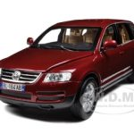 Volkswagen Touareg Burgundy 1/18 Diecast Model Car by BBurago