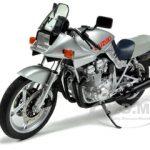Suzuki GSX 1100S Katana Silver 1/12 Diecast Model by Autoart