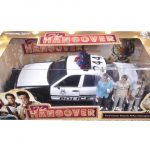 2000 Ford Crown Victoria Police Interceptor Car with 3 Figures The Hangover Movie (2009) 1/18 Diecast Model Car by Greenlight