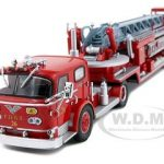 FDNY Ladder 26 American Lafrance TDA ALF 900 Limited Edition 1 of 3000 Produced 1/64 Diecast Model by Code 3