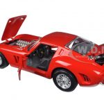 Ferrari 250 GTO Red Signature Series 1/18 Diecast Model Car by Bburago