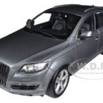 Audi Q7 Grey 1/18 Diecast Car Model by Welly