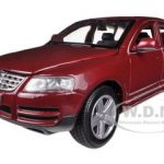 Volkswagen Touareg Burgundy 1/24 Diecast Model Car by Bburago