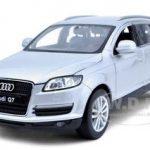 Audi Q7 Silver 1/24 Diecast Car Model by Welly