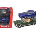 1967 Pontiac GTO Convertible Green & 1971 Pontiac GTO Blue 2pc Car Set With Cases 1/64 Diecast Model Car by Greenlight