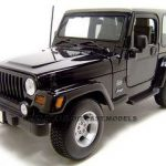 Jeep Wrangler Sahara Black 1/18 Diecast Model Car by Maisto
