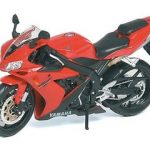 2004 Yamaha YZF-R1 Red 1/12 Motorcycle Model by Maisto