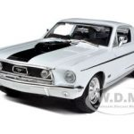 1968 Ford Mustang CJ Cobra Jet White 1/18 Diecast  Model Car by Maisto
