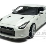 2009 Nissan GT-R R35 Pearl White 1/24 Diecast Model Car by Maisto