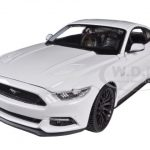 2015 Ford Mustang GT 5.0 White 1/24 Diecast Car Model by Maisto