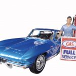 1965 Chevrolet Corvette Blue with Corvette Gas Pump and Gas Station Attendant 1/18 by Maisto