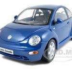 Volkswagen New Beetle Blue 1/18 Diecast Model Car by Maisto