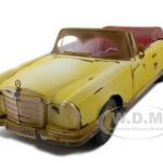 1967 Mercedes 280 SE Rusted Version Old Friends 1/18 Diecast Model Car by Maisto