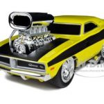 1969 Dodge Charger R/T Hemi Yellow Gasser Muscle Machines 1/24 Diecast Model Car by Maisto