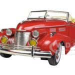 1940 Cadillac Sedan Series 62 Red 1/32 Diecast Car Model by Signature Models