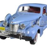 1940 Cadillac Sixty Special Blue 1/32 Diecast Car Model by Signature Models