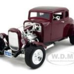 1932 Ford Coupe Burgundy 1/18 Diecast Model Car by Motormax
