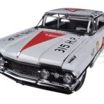 "1959 Oldsmobile ""88"" #42 Lee Petty 1959 Daytona 500 Winner 1/18 Diecast Car Model by Sunstar"