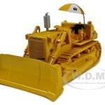 International TD-25 Crawler with Hitch Blade & Umbrella 1/50 Diecast Model by First Gear