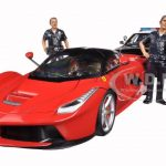 Ferrari Laferrari Ford LAPD Police Car 2 LAPD Officers and 2 Seated Figures Diorama 1/18 by Hotwheels Motormax American Diorama