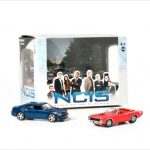 2009 Dodge Charger and 1970 Plymouth Cuda NCIS Diorama 1/64 by Greenlight
