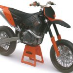 KTM 450 SM-R 09 Dirt Bike Motorcycle Model 1/12 by Automaxx