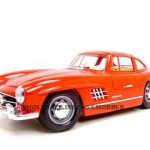 1954 Mercedes Benz 300SL Gullwing Red 1/18 Diecast Model Car by Bburago