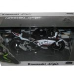 Kawasaki Ninja White Motorcycle Model 1/12 by Automaxx