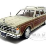 1979 Chrysler Lebaron Town & Country Cream 1/24 Diecast Model Car by Motormax