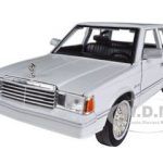 1982 Dodge Aries K White 1/24 Diecast Model Car by Motormax