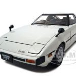 Mazda RX-7 (SA) Savanna Aurora White 1/18 Diecast Model Car by Autoart