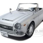 Datsun Fairlady 2000 SR311 Silver 1/18 Diecast Model Car by Autoart
