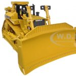 CAT Caterpillar D11R Track Type Tractor with opeartor 1/50 Diecast Model by Diecast Masters