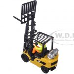 CAT Caterpillar P5000 Lift Truck with Operator 1/25 Diecast Model by Diecast Masters