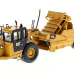 CAT Caterpillar 613G Wheel Scraper with Operator High Line Series 1/50 Diecast Model by Diecast Masters