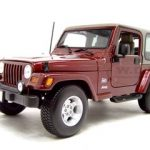 Jeep Wrangler Sahara Maroon 1/18 Diecast Model Car by Maisto