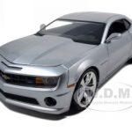 2010 Chevrolet Camaro SS Diecast Car Model Silver 1/18 Diecast Model Car by Jada