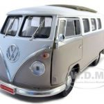 1962 Volkswagen Microbus With Retractable Roof Cream 1/18 Diecast Car by Road Signature