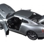 Brians Nissan GTR R35 Silver Fast & Furious Movie 1/24 Diecast Model Car by Jada