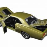 1970 Plymouth Road Runner Champagne 1/24 Diecast Model Car by Jada