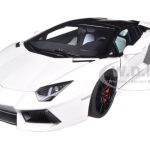 Lamborghini Aventador LP700-4 Roadster White/Bianco Isis 1/18 Diecast Car Model by Autoart