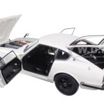 1969 Nissan Fairlady Z432 (PS30) White 1/18 Diecast Model Car by AutoArt