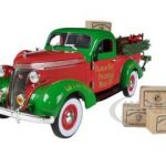 1937 Studebaker Pickup 2013 Christmas Truck Limited to 1000pc 1/24 Diecast Model by Franklin Mint