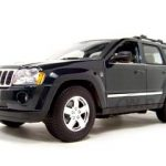2005 Jeep Grand Cherokee Green 1/18 Diecast Model Car by Maisto